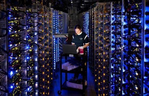 Hệ thống máy chủ lớn và quy mô