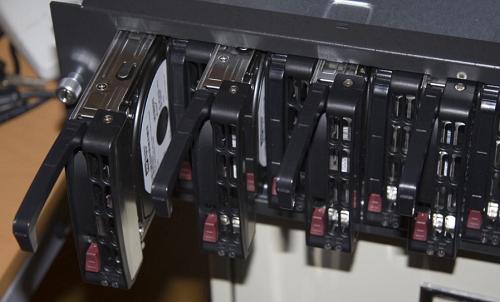 Hệ thống ổ cứng cho máy chủ